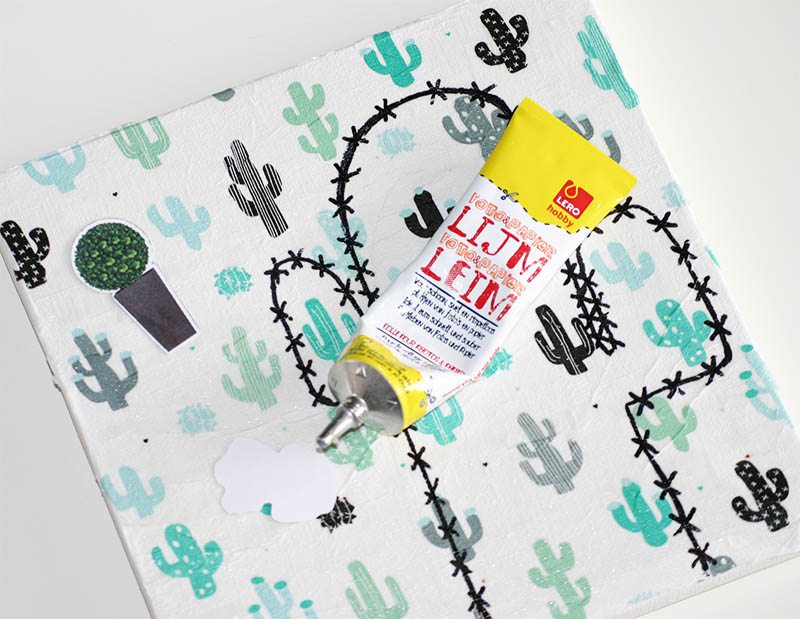 Maak jouw eigen cactus kunstwerk: plaatjes plakken